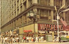 postcard-chicago-state-and-madison 22 W. Madison-big-crowd-bus-walgreens had a huge cafeteria in the basement Places In Chicago, Chicago Museums, Chicago River, Chicago City, Chicago Area, Chicago Illinois, Calumet City, Chicago Pictures, Chicago School