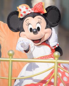 Disney Fan, Disney Theme, Minnie Mouse Images, Mickey Mouse, All Disney Characters, Disney World Pictures, Disney Addict, Epcot, Wallpapers