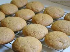 Sugar free desserts can be made without honey and still taste good, try these honey spice cookies made with imitation honey. Honey Cookies, Sugar Free Cookies, Spice Cookies, Sugar Free Desserts, Sugar Free Recipes, Oatmeal Cookies, Chocolate Chip Cookies, Cookie Mix In A Jar Recipe, Cookie Recipes