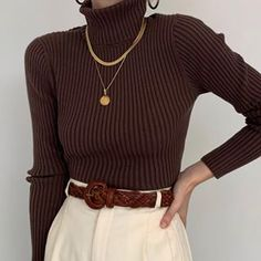 Beautiful, essential brown, ribbed turtleneck sweater with a vintage look., # brown # essential # ribbed # turtleneck sweater The Effective Pictures We Offer You About Birds paper A Mode Outfits, Fashion Outfits, Fashion Trends, Fashion 2020, Fashion Ideas, Womens Fashion, Turtleneck Outfit, Ribbed Turtleneck, Vintage Outfits