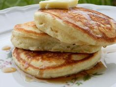 Old Fashioned Pancakes - The best pancake recipe I've ever tried thus far! Real Food Recipes, Great Recipes, Cooking Recipes, Favorite Recipes, Healthy Recipes, I Love Food, Good Food, Yummy Food, Breakfast Dishes