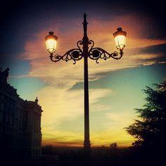 Atardecer en Palacio Real ---> Madrid, Instagram Posts, Palaces, Sky