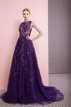 View all the look book pictures from the Georges Hobeika autumn (fall) / winter 2016 collection at Paris fashion week. Georges Hobeika, Mauve Dress, Purple Dress, Formal Gowns, Strapless Dress Formal, Fashion Week, World Of Fashion, Paris Fashion, Purple Fashion