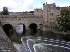 El Puente Pulteney sobre el río Avon en #Bath