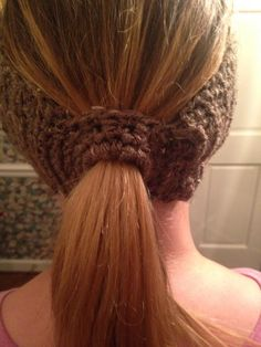 Basic Ponytail HeadbandEarwarmer ~ BEGINNER level ~ long hair but don't want to wear a hat but still want to keep your hair out of the way & ears toasty warm then this is the one to wear ~ easily adaptable for a tween/teen ~ fits average adult woman's head ~ adaptable t your favorite animal or for any season: Halloween, Christmas, Valentine's Day ~ FREE - CROCHET