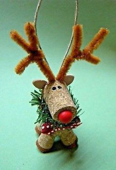 NEW Handmade Wine Cork Reindeer Ornament - Rentier basteln Wine Cork Ornaments, Reindeer Ornaments, Christmas Ornaments, Champagne Cork Crafts, Wine Cork Crafts, Cork Art, Reno, How To Make Ornaments, Holiday Crafts
