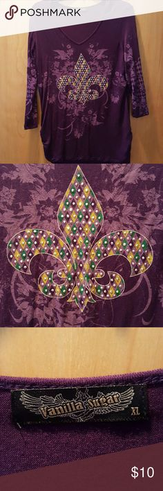 Fleur de lis 3/4 sleeve tee Gorgeous purple 3/4 sleeve length tee shirt.  Perfect for fall & upcoming Mardi Gras season.  Lightly worn. Tops Tees - Long Sleeve