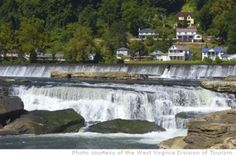 Ansted, West Virginia prime whitewater country, and the massive Kanawha Falls in Hawk's Nest State Park Vacation Wishes, Vacation Destinations, Vacation Spots, Vacation Ideas, Oh The Places You'll Go, Places To Travel, Places To Visit, West Virginia Waterfalls, Virginia Homes