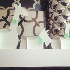 #mini Leonard entre as #girafas ;) Leonard Dog Terrier Miniature 3DPuzzleDesignCollection  45  Olha o Leonard que chiqueeeerrimoooo!!!   A turma toda está numa #loja linda em #Pinheiros .  Passem lá pra visitar e levar pra casa logo antes que acabe :) Rua Artur de Azevedo 1561  Pinheiros  #arturdeazevedo #mateusgrou #cool #design #bacana #sustentavel #lindo #presente #sustentavelcomestilo  Visite nossa pagina e nosso Shop Link direto na descrição do perfil :) Conheçam o projeto e vejam…