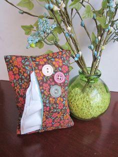 Button tissue holder