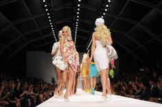 Esta semana, la capital italiana de la moda se vistió de primavera y presentó muchas novedades en #accesorios, de la mano de los grandes #diseñadores. Aquí te mostramos algunas tendencias de los desfiles de la #MilanFashionWeek. #MFW