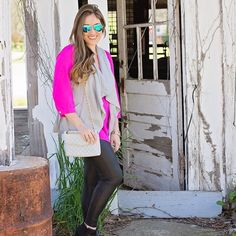 Blogger @walkinginmemphishighheels wearing our Finley tunic! #EllieKai #PrettyInPink #Blogger #Fashionista