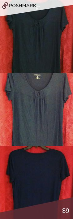 Top Navy Blue Flowy Top in great condition. Liz Claiborne Tops Tees - Short Sleeve