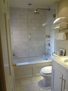 24 Amazing Small Master Bathroom Design Ideas For Renovation Inspiration - Page 19 of 25 Small Bathroom With Shower, Mold In Bathroom, Modern Master Bathroom, Tiny Bathrooms, Bathroom Tubs, Luxury Bathrooms, Simple Bathroom, Boho Bathroom, Master Bathrooms