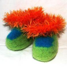 Grønne babytøfler (0-6 mnd) Slippers, Fashion, Moda, Fashion Styles, Slipper, Fashion Illustrations, Flip Flops, Sandal