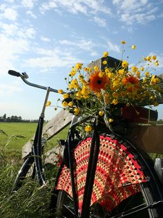 Crochet bike wheel offset with beautiful flowers