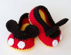 Mickey Mouse crochet baby shoes