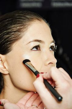 the history of the use of makeup From lead eyeliner to mercury makeup, killer cosmetics over the decades  the  use of cosmetics packed with lead, mercury, arsenic and other dangerous   beauty: a history of the innovations that have made us beautiful.