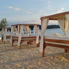 Sunbeds at the beach - Nikki Beach Porto Heli