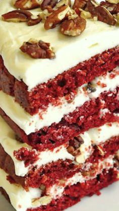 The Best Red Velvet Cake ~ outstanding recipe with double cream cheese frosting and toasted pecans... Irresistible! Best Red Velvet Cake, Bolo Red Velvet, Cupcake Recipes, Cupcake Cakes, Dessert Recipes, Gourmet Cupcakes, Cream Cheese Recipes, Cake With Cream Cheese, Just Desserts