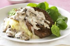 Peppered steak with creamy mushroom sauce