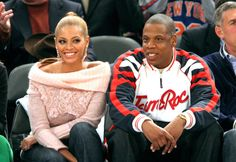 We love Beyoncé's court side style! The singer always looks *oh* so chic.