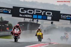 Moto2 前半でトップを走りながら転倒した中上は、再スタートを切って11位でフィニッシュ。