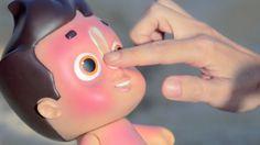 """NIVEA DOLL。Nivea為了讓小朋友願意擦防曬乳,製作了一個『曬了太陽就會全身通紅』的娃娃,讓在戶外的小朋友""""體驗"""",不擦防曬的後果。真是幫了家長大忙啊!"""