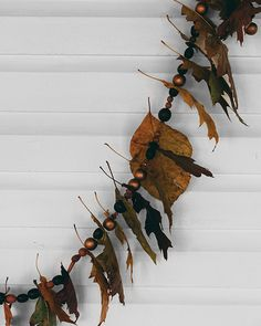 Autumn Foliage Garland - http://www.sweetpaulmag.com/crafts/autumn-folliage-garland #sweetpaul