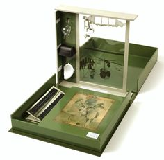 Museum in a box - by Marcel Duchamp - Buchhandlung Walther König. Between 1939 and 1945.