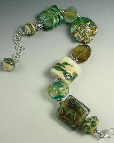 another wonderful bracelet by Stephanie
