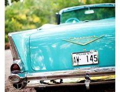 Carro antigo azul claro