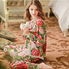2016 autumn Women's 100% woven cotton sleepwear long-sleeve princess Ms. print floral pajamas suit  large yard garden tracksuit