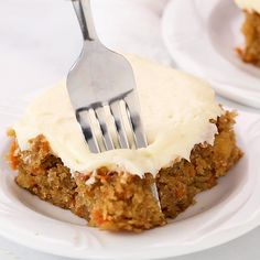 Carrot Cake with Cream Cheese Frosting - Only one bowl and wooden spoon required Super moist and has the perfect amount of sweetness Cheesy Recipes, Easy Cake Recipes, Mexican Food Recipes, Sweet Recipes, Baking Recipes, Quiche Recipes, Turkey Recipes, Fun Desserts, Delicious Desserts
