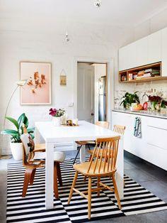 Keltainen talo rannalla: Rustiikkia, modernia ja ranskalaista tyyliä