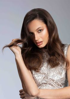 Side parted brunette hair with sleek texture. Most Common Hair Color, Sweet Like Chocolate, Side Parting, Brunette Hair, Texture, Surface Finish, Side Part Weave, Chestnut Hair Colors, Brown Hair