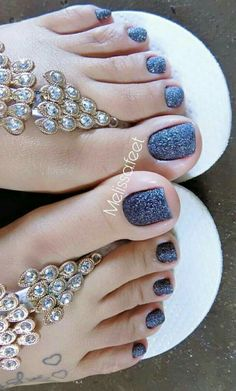 Your big toes are nice and juicy for sucking Pretty Toe Nails, Cute Toe Nails, Pretty Toes, Toe Nail Art, Short Nail Manicure, Nice Toes, Uñas Fashion, Beautiful Toes, Feet Nails