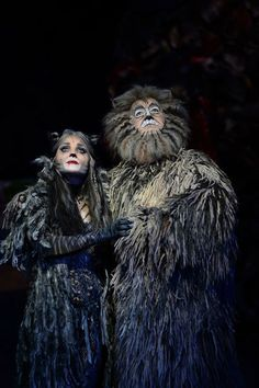 Photographs of Kerry Ellis in the cast of Andrew Lloyd Webber's record-breaking musical Cats playing the role of Grizabella. Cats The Musical Costume, Cats Musical, Cat Costumes, Musical Theatre, Queens Theatre, Jellicle Cats, Cat Movie, Ella Enchanted, Johnny Mathis