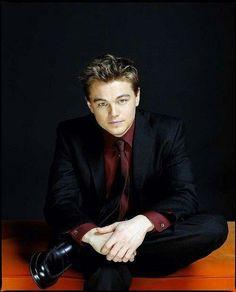 Leo DiCaprio. nice suit!