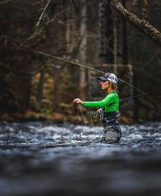 tips on fly fishing for beginners – Fishing Ideas Fishing World, Fishing Life, Sport Fishing, Gone Fishing, Best Fishing, Fishing Stuff, Fly Fishing Basics, Fly Fishing For Beginners, Trout Fishing Tips