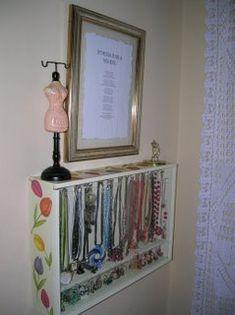 El rincón de Rida: Reciclaje  Caja de vino ---> joyero Arts And Crafts, Diy Crafts, Easy Diy Projects, Ideas Para, Sweet Home, Organization, Frame, Room, Dyi