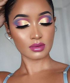 7 - 2020 Winter Makeup Tips, 7 - 2020 Winter Makeup Tips - 1 This winter, celebrities guaranteed their beauty with these four make-up. Get inspired by celebrity make-up for your p. Makeup Eye Looks, Eye Makeup Art, Colorful Eye Makeup, Beautiful Eye Makeup, Eye Makeup Tips, Makeup Hacks, Cute Makeup, Glam Makeup, Makeup Inspo