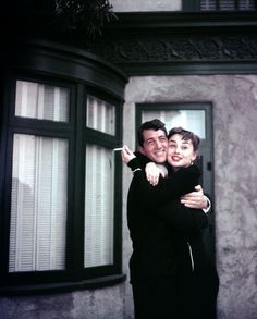 Audrey Hepburn and Dean Martin on the set of Sabrina, in 1953 - Lady Hollywood. Old Hollywood, Hollywood Stars, Classic Hollywood, Dean Martin, Divas, Leighton Meester, Sabrina 1954, Audrey Hepburn Photos, Sabrina Audrey Hepburn