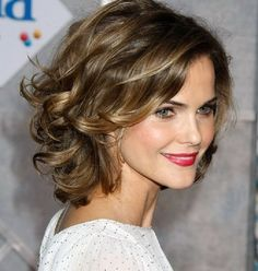 Inspiring 19 Short To Medium Cuts For Curly And Wavy Hair Hairstyle Guru Medium Short Hair Cuts - Short Hairstyles Cuts Thick Curly Hair, Short Hairstyles For Thick Hair, Haircuts For Curly Hair, Medium Short Hair, Haircut For Thick Hair, Medium Hair Cuts, Medium Hair Styles, Curly Hair Styles, Short Wavy