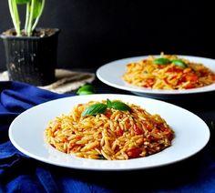 Gebratene Gerste mit Tomaten und Basilikum | 23 super leckere Gerichte, die Du schnell zubereiten kannst