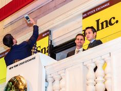 The 2 most high profile IPOs of 2017 are officially losers (SNAP, APRN) - Two of the year's highest-profile initial public offerings,Snap and Blue Apron , are officially duds.  As of Tuesday morning, shares of both stocks were below their IPO price — meaning that investors who bought in (and held onto the shares) are now facing losses.  Snapsold its shares for $17 in March. It began trading for$24, and rose to its all-time high a day later. It's now below theIPO price of $17 . Blue…