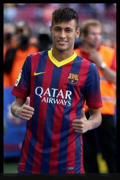 Neymar akhirnya mencetak gol di La Liga dalam kemenangan Barcelona atas Real Sociedad 4-1. Pesepakbola Brasil itu mengaku amat senang meski prioritasnya tetaplah timnya. Selamat ya Mas Neymar :)) #NexSoccer