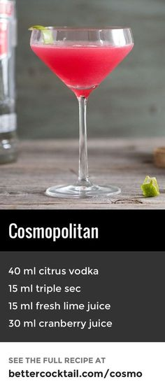Another modern classic is the cosmopolitan which features citrus vodka (also known as vodka citron) and cranberry juice, along with a touch of triple sec (the official recipe calls for Cointreau, but any quality triple sec will do the job!) This cocktail Beste Cocktails, Fun Cocktails, Cocktail Drinks, Cocktail Glass, Classic Vodka Cocktails, Vodka Sangria, Vodka Mixed Drinks, Bourbon Drinks, Fancy Drinks