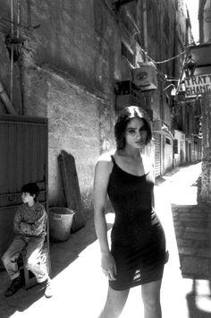 Ferdinando Scianna 1991 ITALY,Sicily: fashion story with Carmen SAMMARTIN
