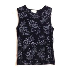 Floral tank top like new! silky floral top size S also fits M very stretchy. Tops Tank Tops